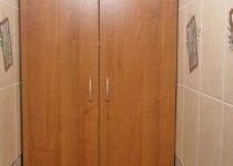 Шкаф в туалет от пола до потолка