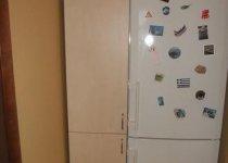 Дверь в нишу с холодильником