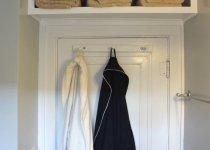 Узкие навесные шкафы в ванную комнату