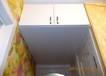 Открытые антресоли на кухню над дверью