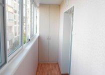 Двери в нишу на балкон