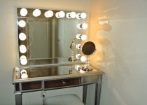 Гримерные зеркала для дома