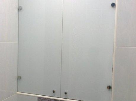 Шкафчик в туалет матовые створки