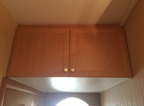 Антресоли на кухне над дверью