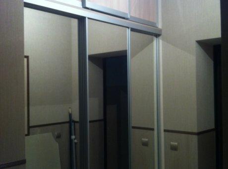 Шкафы настенные навесные с полками на стену с дверцами
